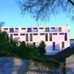 PROMONTORIO ARQUITECTOS: raumplan in suburbie