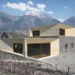 Inradacinare intr-un peisaj. Extinderea unei case din alpii elvetieni. Text- Clavienrossier Architects