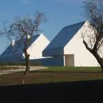 Transformarea ponderata. Conversia unui ansamblu postbelic de cladiri agricole in Ungaria