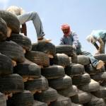 Construind cu 2.200 de anvelope uzate. Scoala Al Khan Al Ahmar