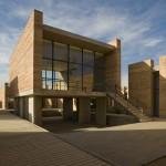 Gradini, curti si cutii deschise - Scoala de Arte plastice a Universitatii Benito Juarez