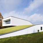 Robert Konieczny KWK Promes: Casa pentru o familie si 2 automobile