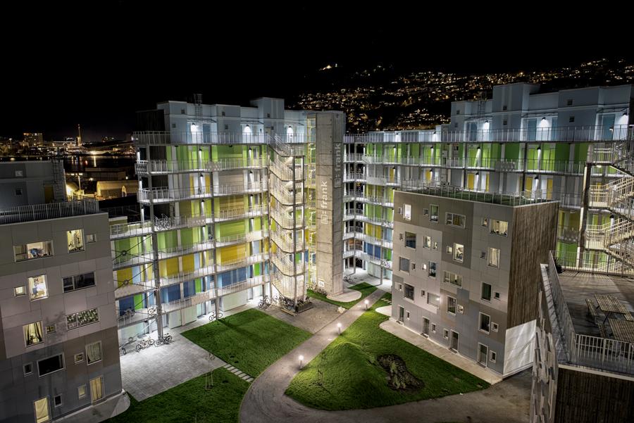 4B_Gronneviksoren_Courtyard Night seen from 8th floor_foto Cecilie Bannow