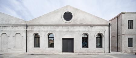hangar - Arantxa manrique-terre
