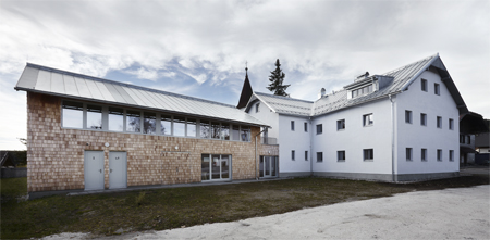 Atelier 25 -Reabilitare si extindere - Centrul Artistic din Kvilda -Cehia