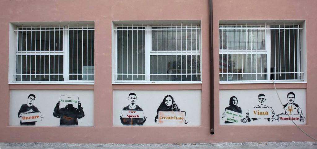 stenciluri pe fatada liceului Ion Barbu