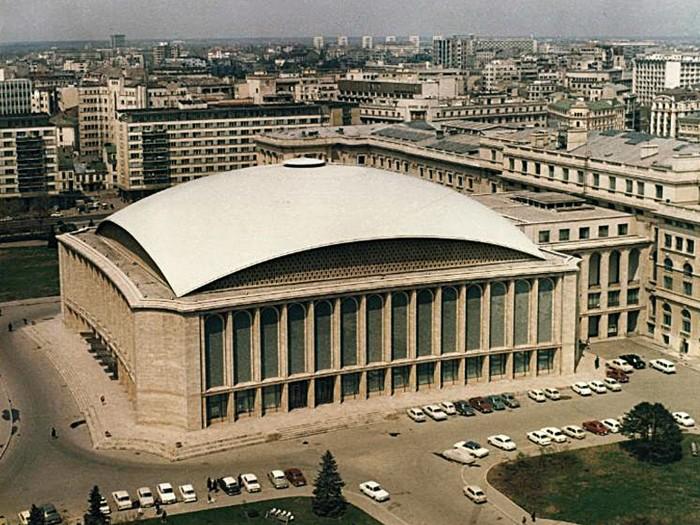Sala Palatului - Arhitecți H. Maicu - T.Ricci - I.Serban - R. Belea -f