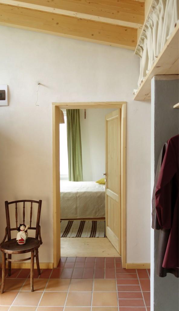 06_A_Interior-intrare