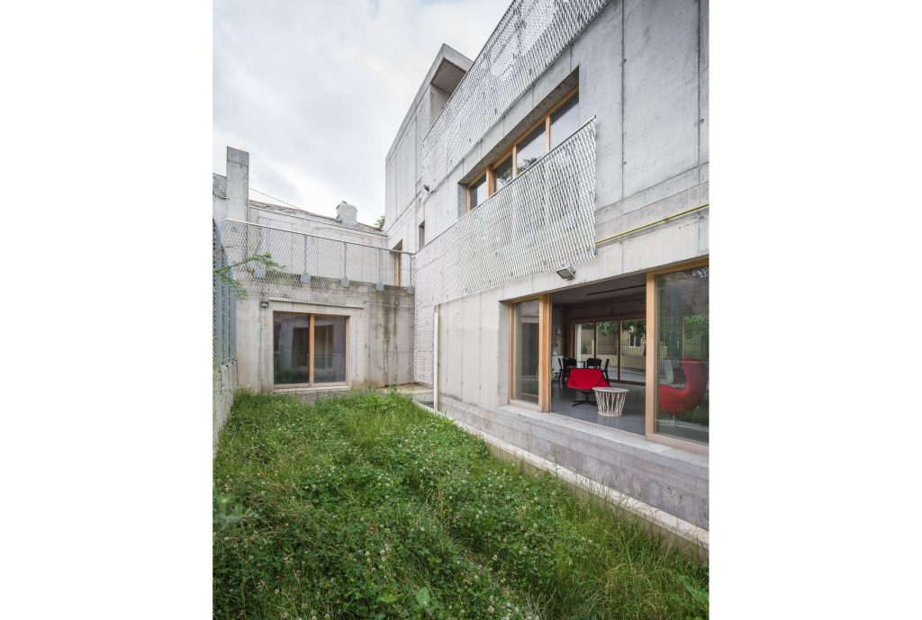 4b_cosmindragomir_concretehouse_xl_037