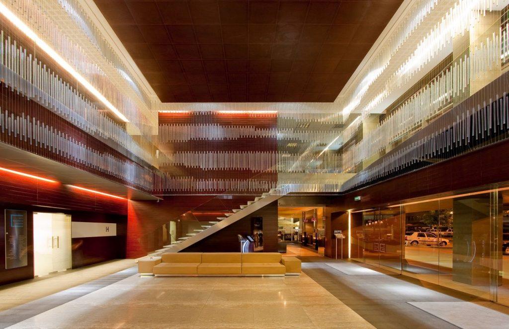 lobby-cladirea-a-cbc-timisoara