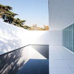 Articolul săptămânii: Macheta neliniștitoare. Instalaţia Mies Missing Materiality, Barcelona