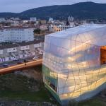 Articolul săptămânii: Far, bornă, cocon, bricolaj. Centru cultural și auditorium, Plasencia, Spania